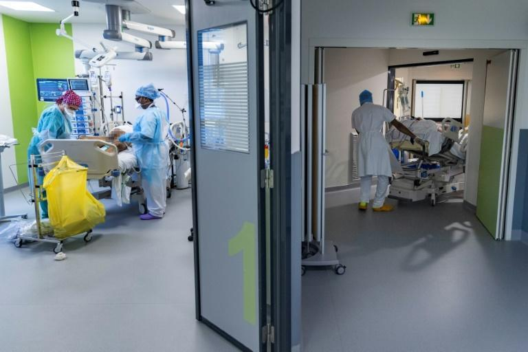 Like all hospitals in the Paris area, Delafontaine has been ordered to cut back surgery to make space for Covid patients