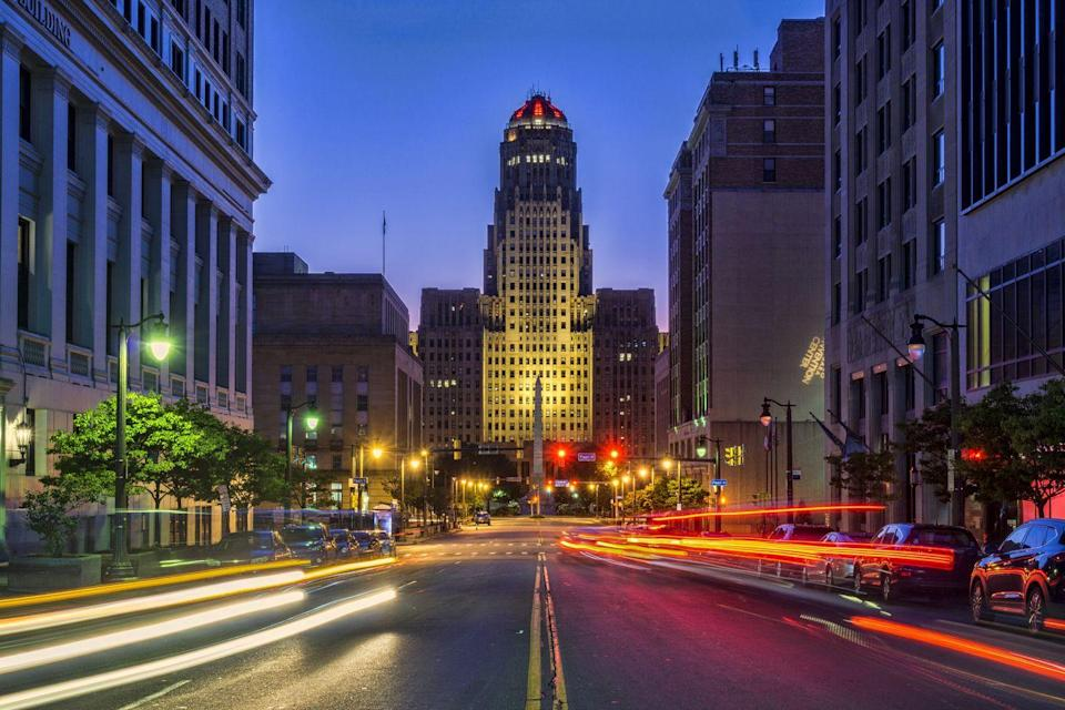 <p><strong>$192,742</strong></p><p>If you're ready to leave the city but not ready to flee the state, Buffalo offers several affordable homes upstate, accompanied by stunning suburban views.</p>