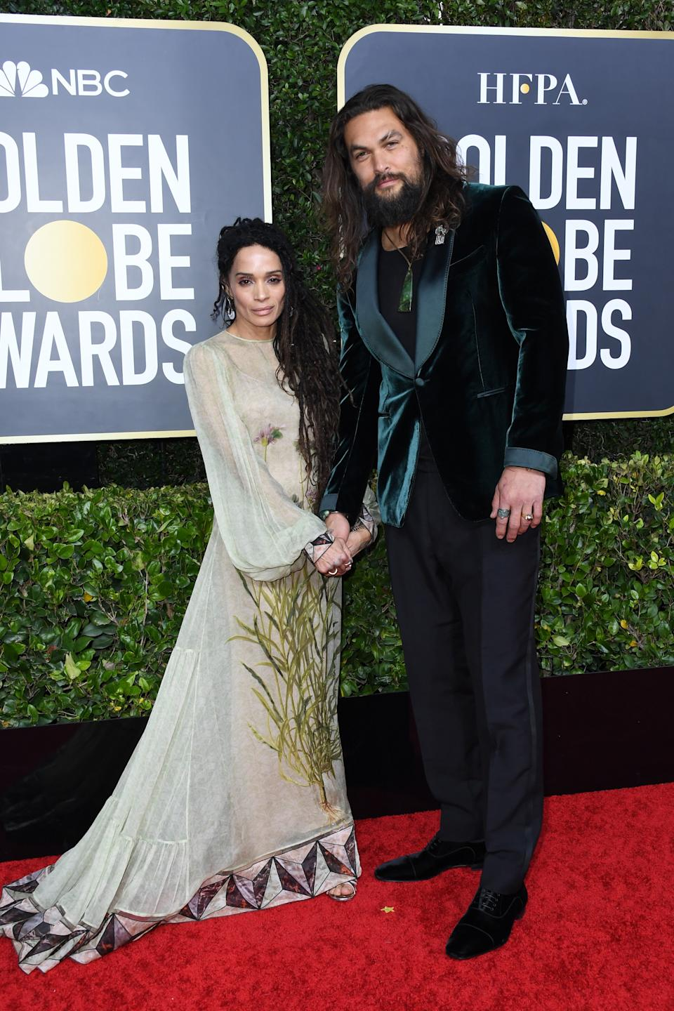 "<h1 class=""title"">Lisa Bonet in Fernando Jorge earrings and Andrea Fohrman ring, and Jason Momoa in Tom Ford, Valentino, Christian Louboutin shoes, and Cartier jewelry</h1><cite class=""credit"">Photo: Getty Images</cite>"