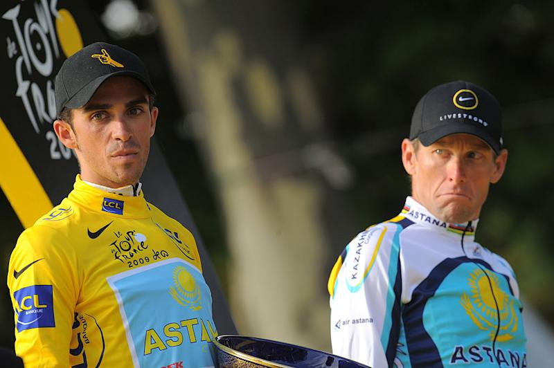 Alberto Contador and Lance Armstrong on the 2009 Tour de France podium in Paris