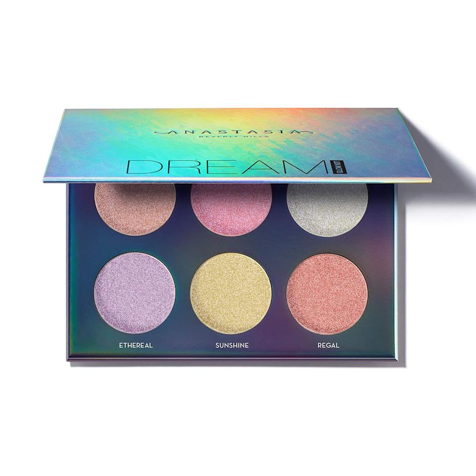 """""""The perfect palette for the perfect added glow. Love the shades on their own or great to customize and blend together. Also versatile for a subtle sparkle or full-on highlight glow."""""""