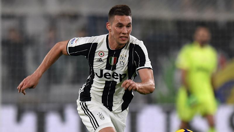 Juventus' Pjaca out for six months after knee operation