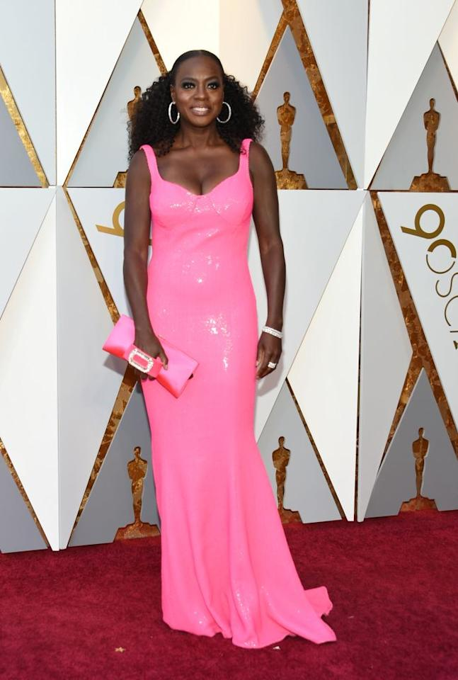 <p>Viola Davis is pretty in pink at the 90th Annual Academy Awards in Hollywood. (Photo: Getty Images) </p>