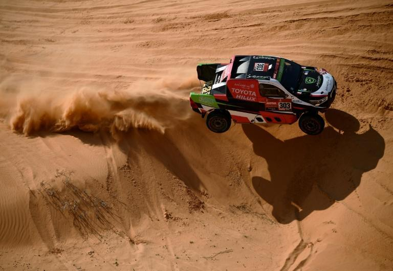 Al Rajhi and co-driver Von Zitzewitz ploughing through the sand