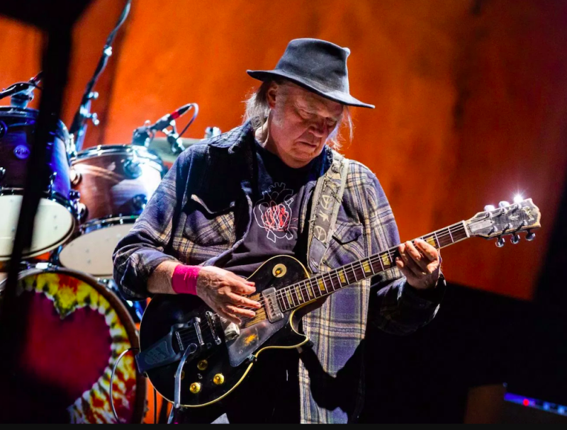 """Neil Young quits Facebook because of its """"obvious commitments"""" to right-wing politics"""