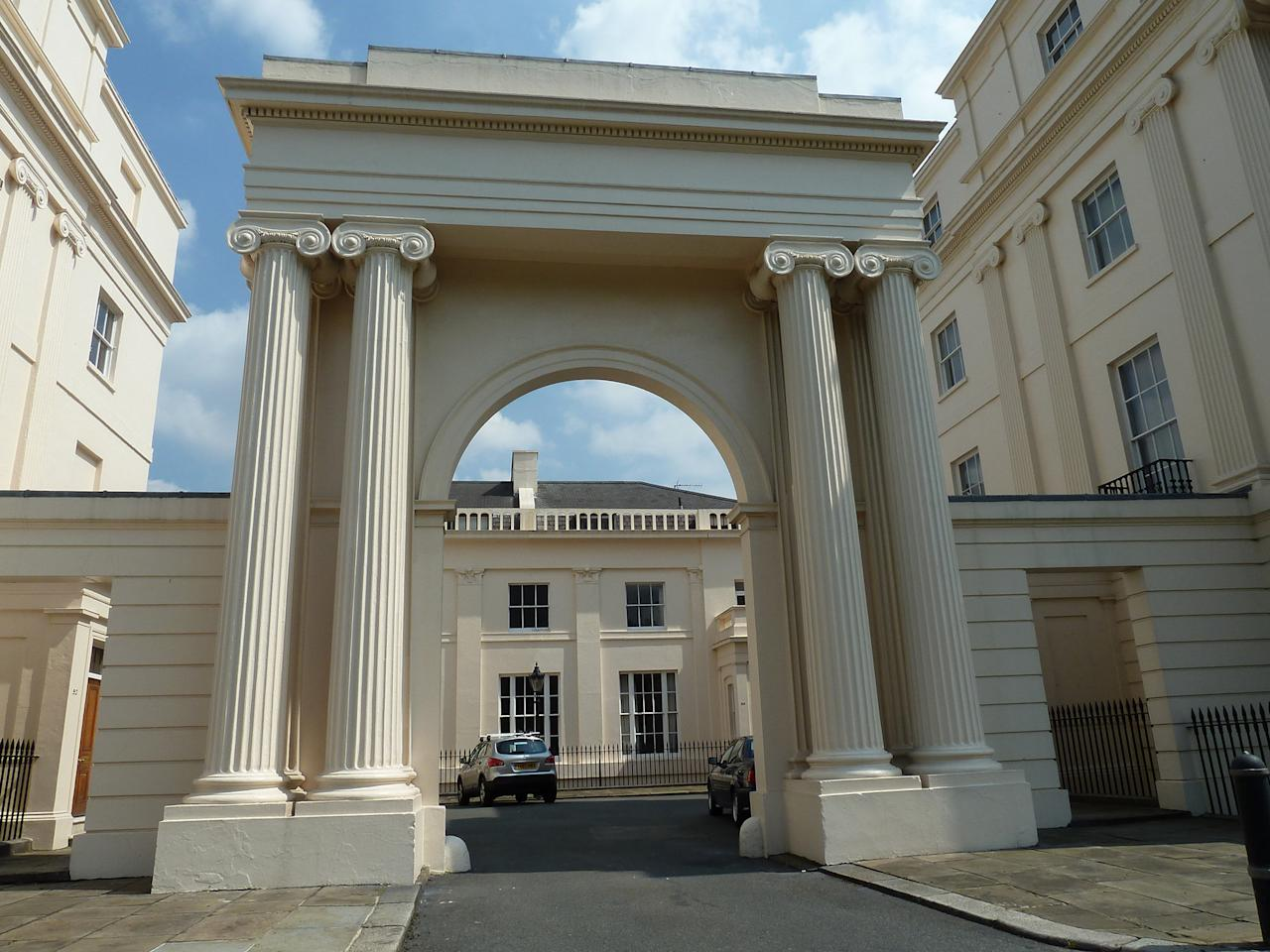 <p>The five-bedroom townhouse has been put on the rental market for a super-wealthy tenant costing more than £500,000 a year. </p>