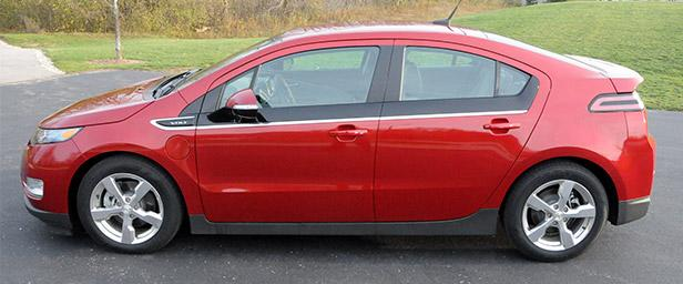 Spending a Week With an Electric Car: Is the 2013 Chevy Volt Worth It?