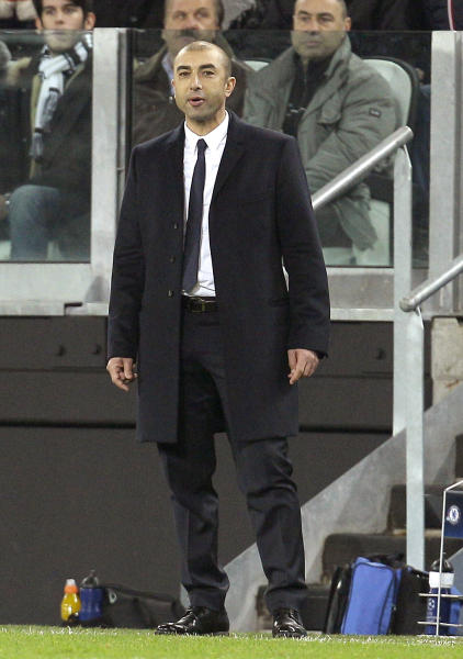 Chelsea coach Roberto Di Matteo watches a Champions League, Group E, soccer match between Juventus and Chelsea at the Juventus stadium in Turin, Italy, Tuesday, Nov. 20, 2012. (AP Photo/Antonio Calanni)