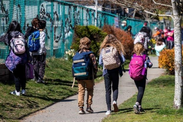 Students are pictured after school at Van Horne Elementary in Vancouver on April 12.  (Ben Nelms/CBC - image credit)