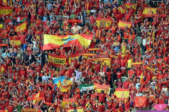 Spanish fan cheer during the Euro 2012 championships football match Spain vs Italy on June 10, 2012 at the Gdansk Arena.      AFP PHOTO / CHRISTOF STACHECHRISTOF STACHE/AFP/GettyImages