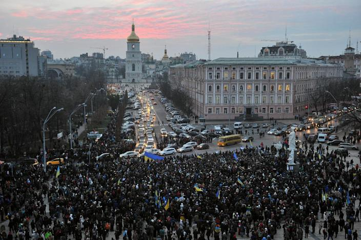 "The ""lustration law"" approved Thursday by Ukraine's president was a rallying cry of the protests that convulsed Kiev last winter (AFP Photo/Genya Savilov)"