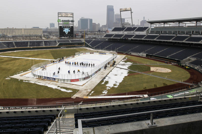 College hockey teams to hit ice outdoors in Omaha