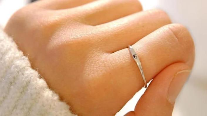 This delicate ring will serve as a constant reminder of your furry friend.