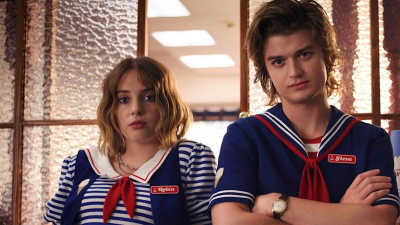 Steve & Robin's Relationship Originally Looked Very Different In 'Stranger Things' Season 3— Wait, What?