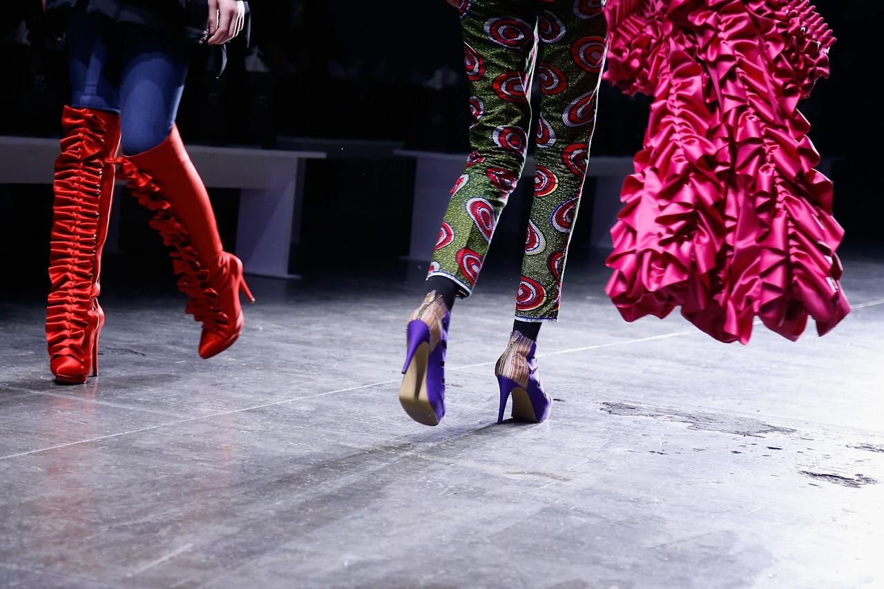<p>2018 was the year chunky dad sneakers, kitten heels, and '90s mules. With NYFW officially underway, things are turning around for Fall 2019. Tom Ford made the case for the peep-toe platform, Ulla Johnson's love affair with the 70s continues, and dad sneakers aren't going <em>anywhere</em>. In fact, they went tie dye at Collina Strada. Ahead, all the latest shoe trends fresh off the runway.</p>