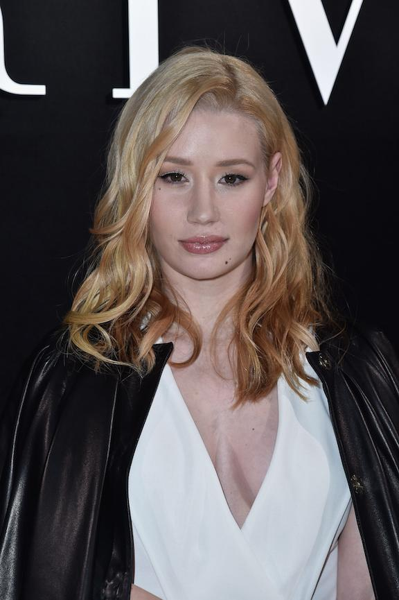 Iggy Azalea is known for her tousled blonde lob...