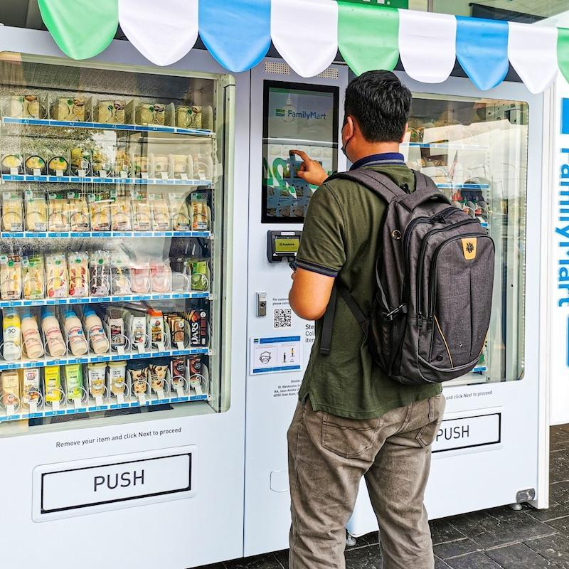 Many Facebook users are hoping that more of the vending machines will be placed at various hospitals and in public places. — Picture via Facebook/FamilyMart Malaysia