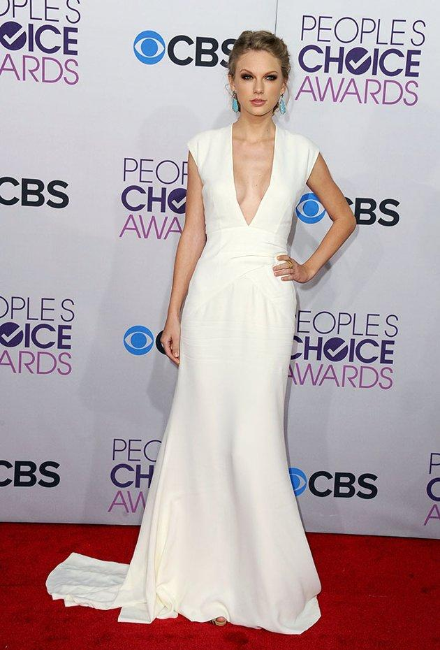 BEST: Taylor Swift.  The best way to get over a breakup? Looking even more amazing than ever! Fresh off her split with One Direction's Harry Styles, Swift foregoes her usual princess ensembles for a crisp white gown with a very sexy plunging neckline. And to top it off, she's already going home with a People's Choice award for Favorite Country Artist.