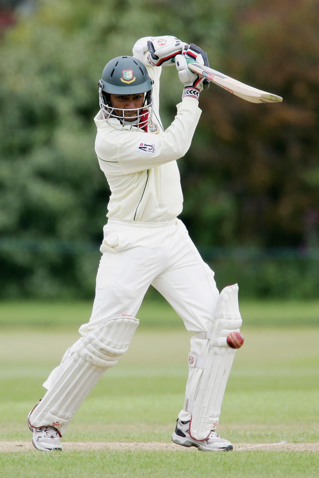 CAMBRIDGE, GREAT BRITAIN - MAY 10:  Nafees Iqbal Khan of Bangladesh defends during the Tour match between British Universities and Bangladesh, at Fenners on May 10, 2005 in Cambridge, England.  (Photo by Richard Heathcote/Getty Images)