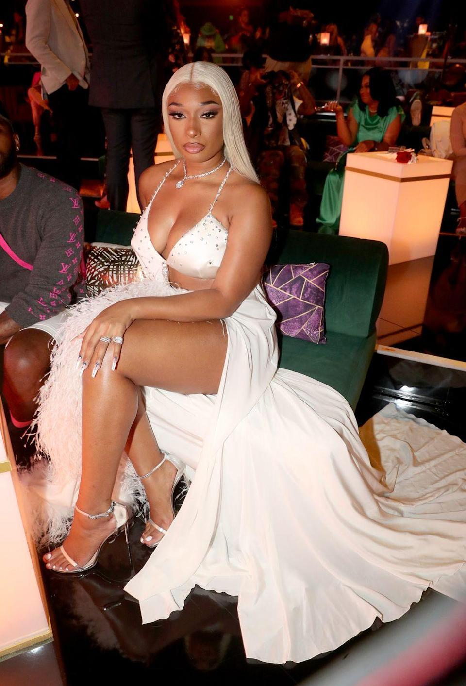 <p>Rapper <strong>Megan Thee Stallion</strong> has proven that she can rock any hair color. Monochromatic, icy platinum looks chic and sophisticated on everyone. </p>