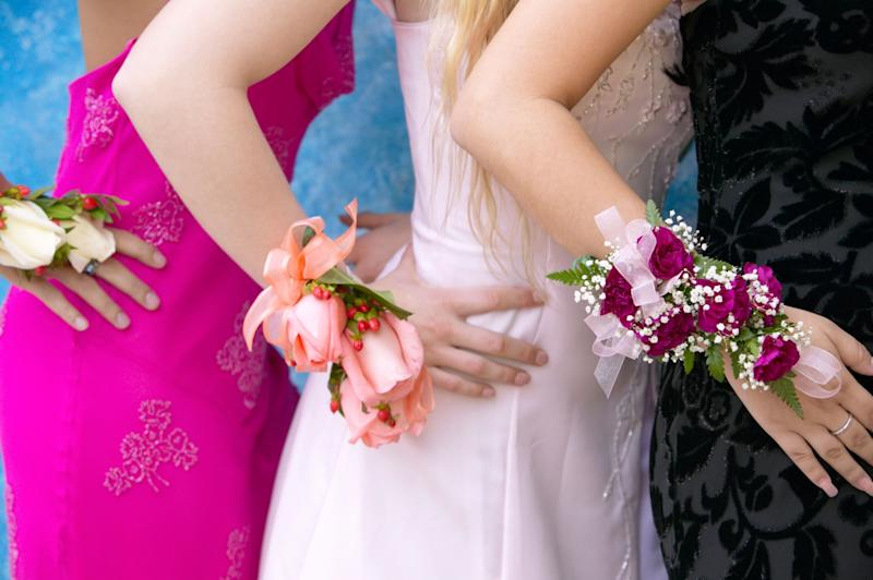 """Virginia Beach Neighborhood Throws """"Garage Prom"""" For Teen in Cancer Remission"""