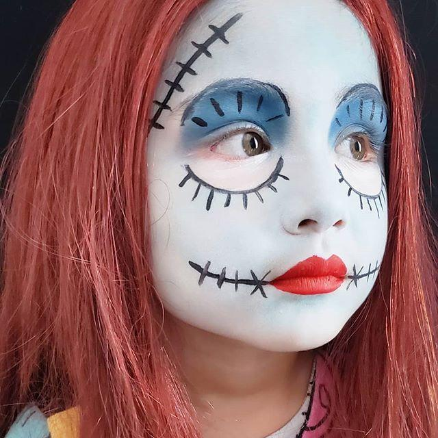 "<p>Who knew that this recognizable character was such an easy face painting idea? Start with a light blue base, than add some drawn on black 'stitches' and dark blue paint around the eyes.</p><p><a href=""https://www.instagram.com/p/B5D461ohl_D/&hidecaption=true"" rel=""nofollow noopener"" target=""_blank"" data-ylk=""slk:See the original post on Instagram"" class=""link rapid-noclick-resp"">See the original post on Instagram</a></p>"