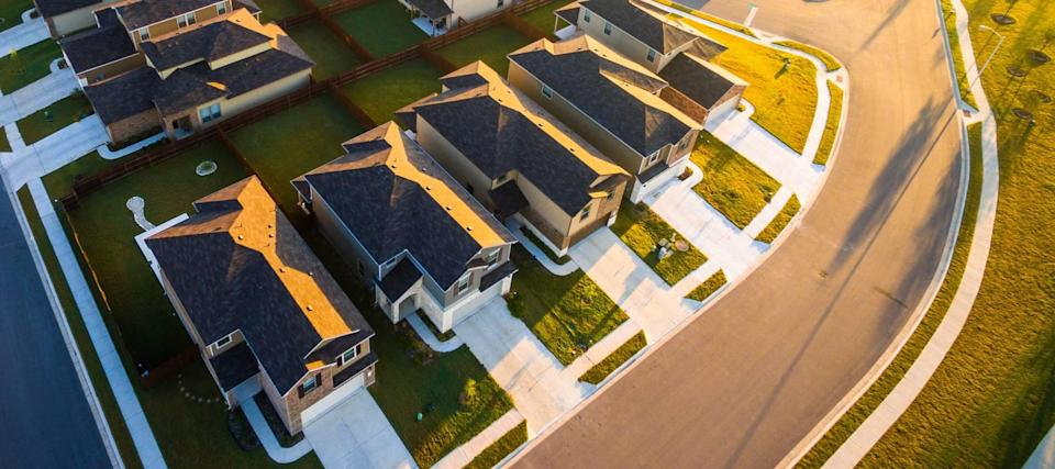 As mortgage rates edge higher, many homeowners make a risky bet