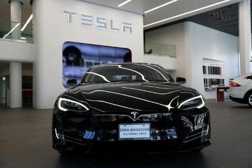 Tesla seeks $1.15 bn to help fuel Model 3 launch