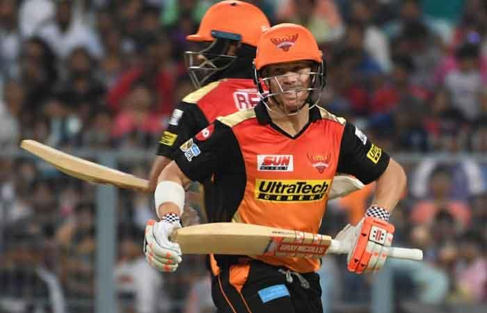 Warner's 70 drives Hyderabad to 159/6 against Punjab