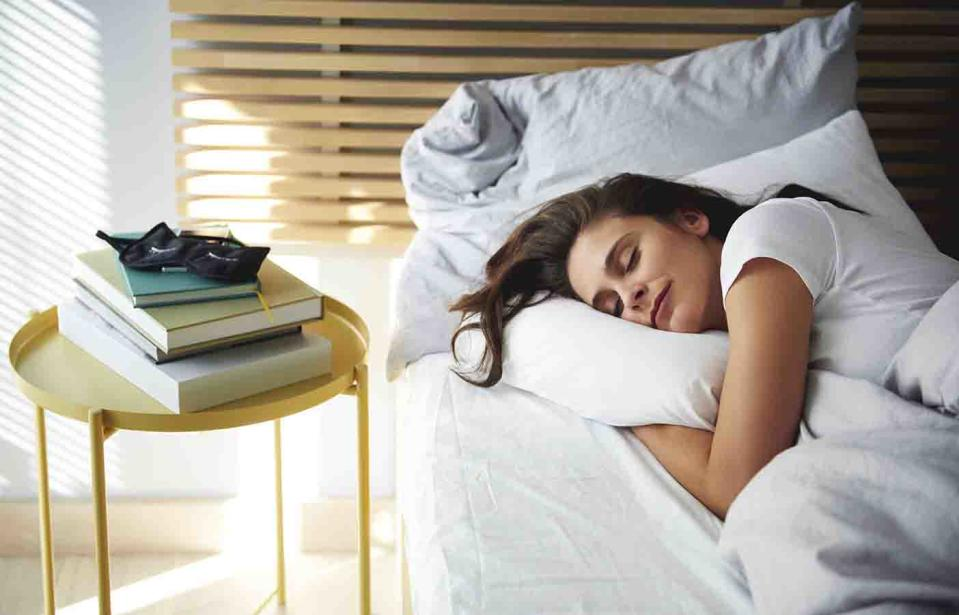 How much sleep we really need depends on gender, age, and where we live. Source: Getty