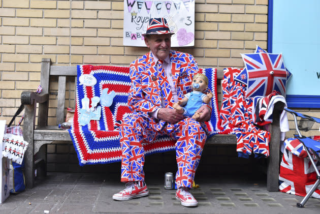 A royal fan pictured outside St. Mary Hospital's Lindo Wing.