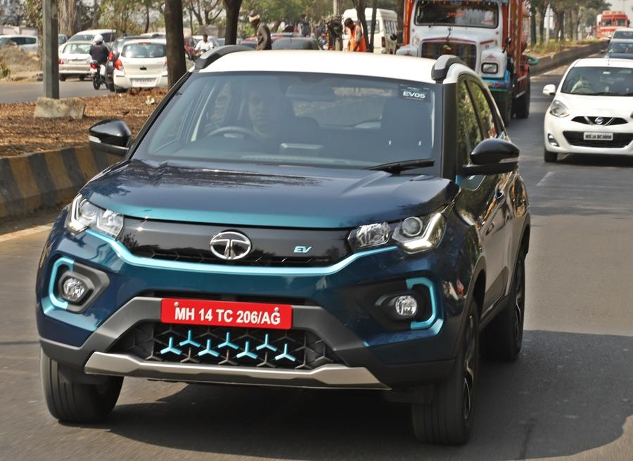 Performance is quick to say the least. Just like any EV, the lack of noise along with the continuous power delivery with the instant torque make this feel even more so, as 0-100 km/h comes in under 10 seconds. There are two modes with the 'Drive' mode being suitable for city use or even normal driving.