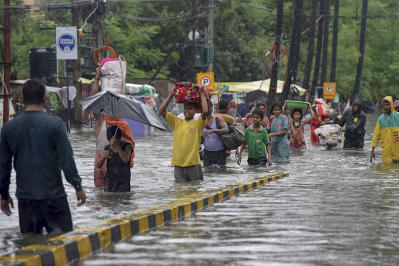 Orange Alert in Bihar Today as Death Toll Due to Floods Touches 55, Govt Steps Up Relief Efforts