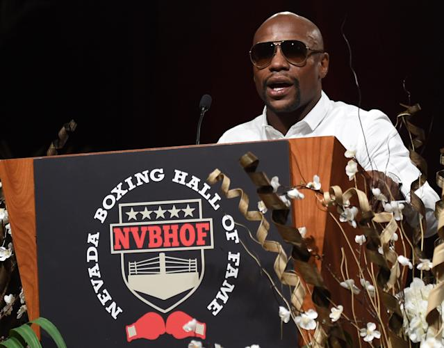 Boxer Floyd Mayweather Jr. pictured in Las Vegas where he was honoured as the Nevada Fighter of the Year, August 9, 2014 (AFP Photo/Ethan Miller)