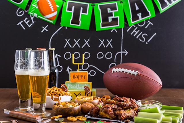 Super Bowl party entertaining essentials (Photo: Getty)