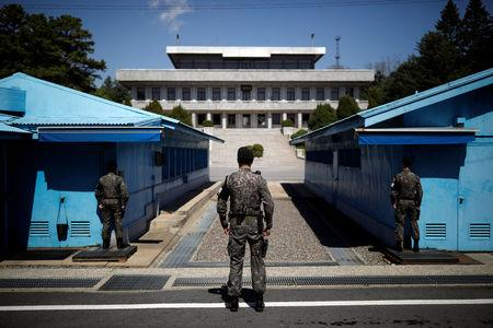North Korea, South Korea begin removing land mines along border