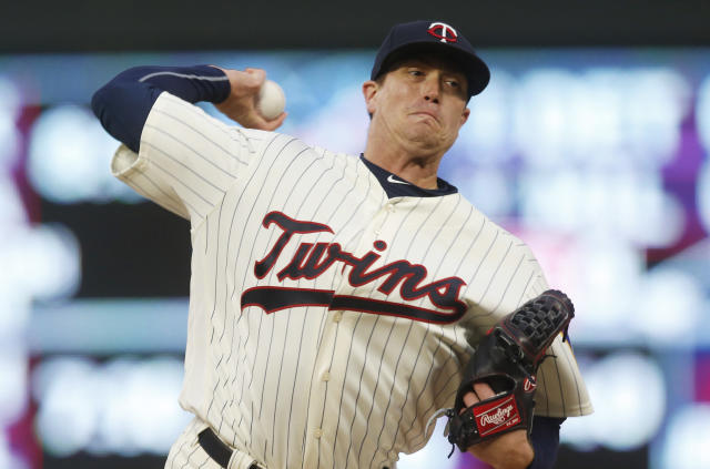 Minnesota Twins pitcher Kyle Gibson throws against the Chicago White Sox in the first inning of a baseball game Saturday, Sept. 29, 2018, in Minneapolis. (AP Photo/Jim Mone)