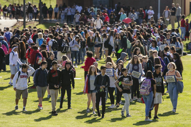 <p>Students at Clarke Central High School walk out in protest of nationwide school shootings in Athens, Ga., Friday, April 20, 2018. (Photo: Joshua L. Jones/Athens Banner-Herald via AP) </p>