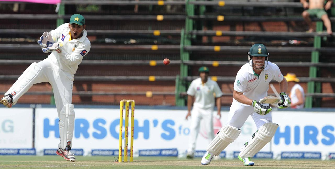 JOHANNESBURG, SOUTH AFRICA - FEBRUARY 01: (SOUTH AFRICA) AB de Villiers of South Africa in action during day 1 of the first Test match between South Africa and Pakistan at Bidvest Wanderers Stadium on February 01, 2013 in Johannesburg, South Africa. (Photo by Lee Warren/Gallo Images/Getty Images)