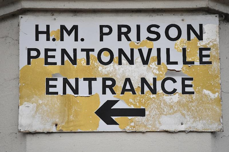 Government wins High Court injunction against protesting prison officers