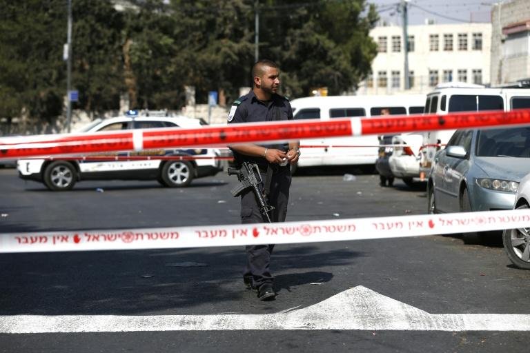 Palestinian stabs officers in Jerusalem and is shot