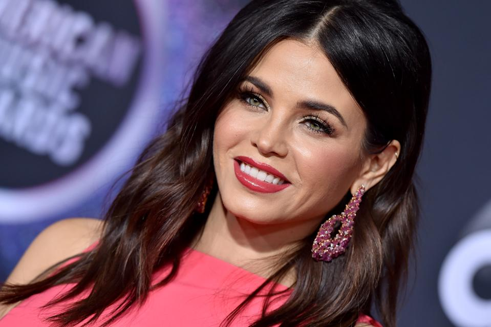 LOS ANGELES, CALIFORNIA - NOVEMBER 24: Jenna Dewan attends the 2019 American Music Awards at Microsoft Theater on November 24, 2019 in Los Angeles, California. (Photo by Axelle/Bauer-Griffin/FilmMagic )