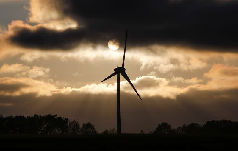 Global energy investment expected to tumble 20% in 2020 due to COVID crisis - IEA