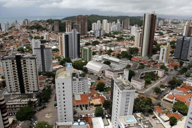A general view is seen of the city of Natal, northeastern Brazil, April 7, 2014. Natal is one of the host cities for the 2014 World Cup in Brazil. REUTERS/Nuno Guimaraes (BRAZIL - Tags: SPORT SOCCER WORLD CUP TRAVEL CITYSCAPE)