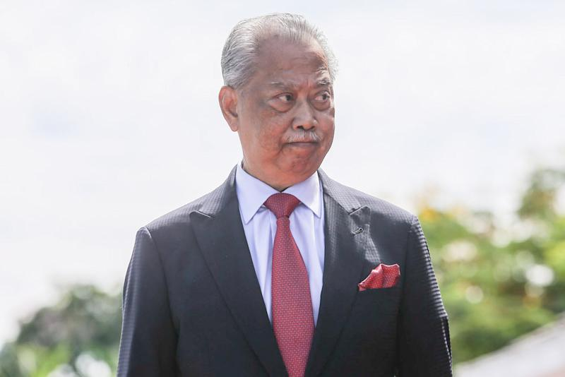 Muhyiddin wants to see the relationship between the federal government and the state of Johor improve. ― Picture by Hari Anggara