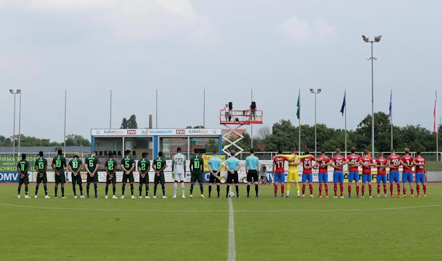 Soccer Football - International Friendly - Czech Republic vs Nigeria - Rudolf-Tonn-Stadion, Schwechat, Austria - June 6, 2018 The teams line up before the match REUTERS/Heinz-Peter Bader
