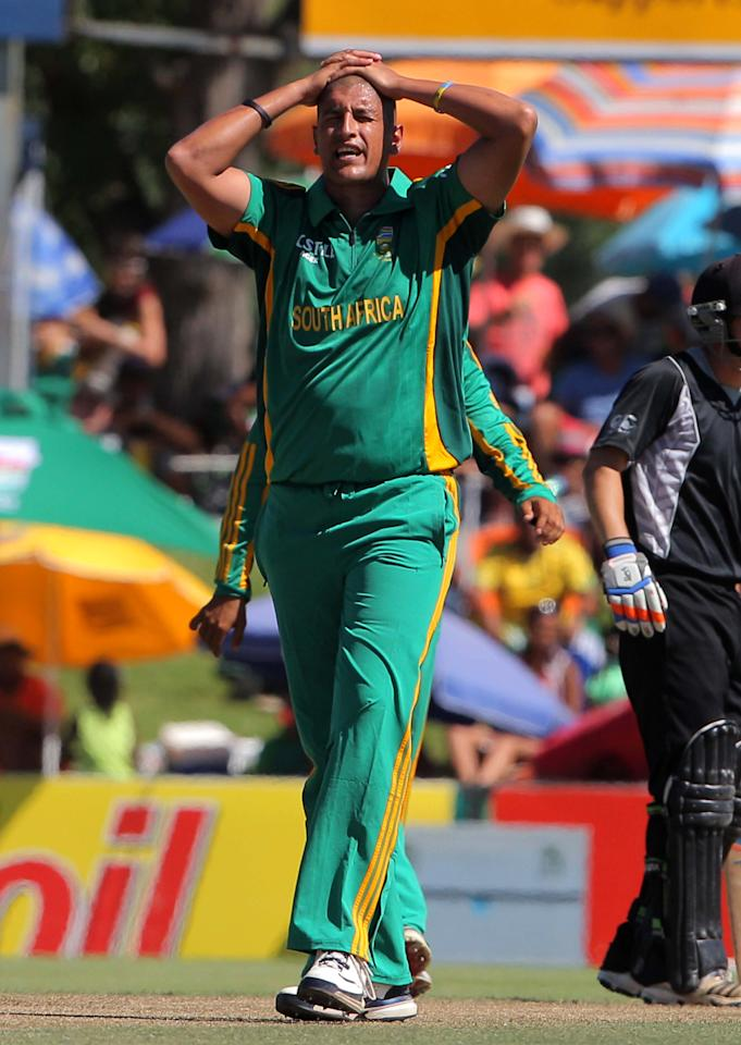 PAARL, SOUTH AFRICA - JANUARY 19: Rory Kleinveldt of South Africa reacts during the 1st One Day International match between South Africa and New Zealand at Boland Park on January 19, 2013 in Paarl, South Africa.  (Photo by Carl Fourie/Gallo Images/Getty Images)