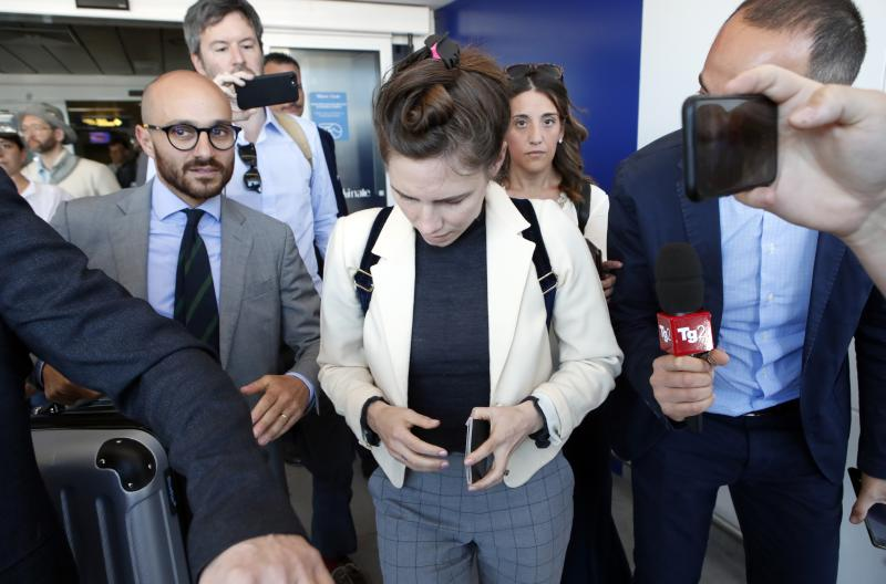 Amanda Knox arrives in Italy to attend discussion on wrongful convictions