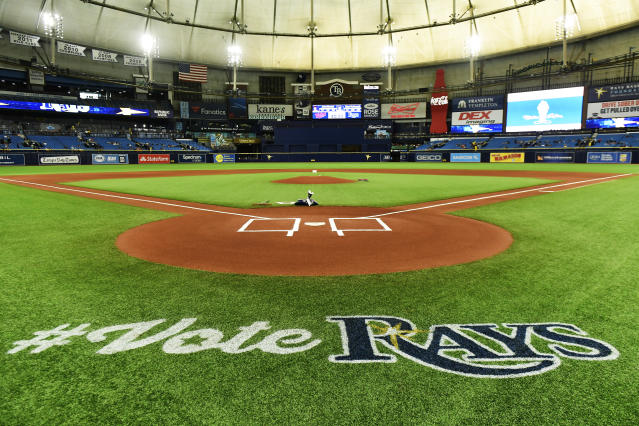 "The <a class=""link rapid-noclick-resp"" href=""/mlb/teams/tampa-bay/"" data-ylk=""slk:Tampa Bay Rays"">Tampa Bay Rays</a> are making a thoughtful offer to Florida residents displaced by Hurricane Dorian. (Photo by Julio Aguilar/Getty Images)"
