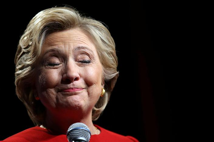 <p>Hillary Clinton pauses as she speaks with campaign supporters after the first presidential debate with Republican presidential nominee Donald Trump, in Westbury, New York, U.S., September 26, 2016. (Carlos Barria/Reuters) </p>